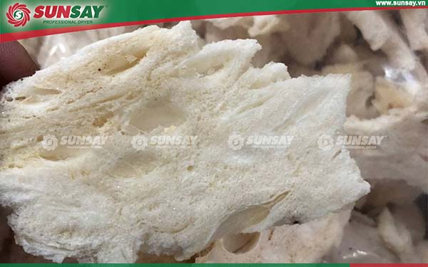 Mãng cầu sấy khô có thể hoàn nguyên sản phẩm khi ngâm nước
